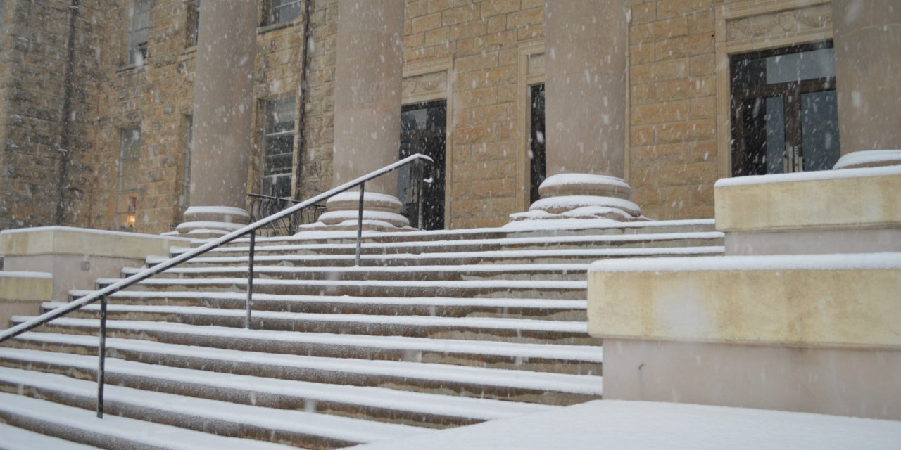 Campus opening delayed until 11:00 a.m.
