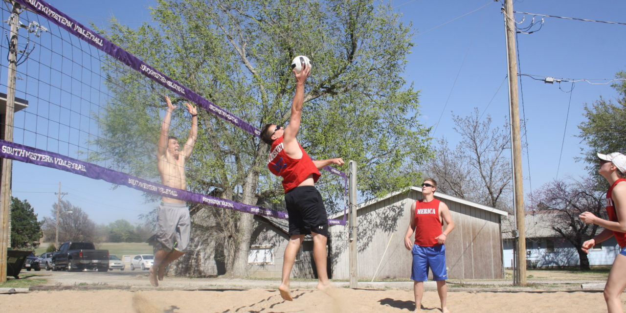 Lady Builders hosts 4v4 sand volleyball tournament (Slideshow)