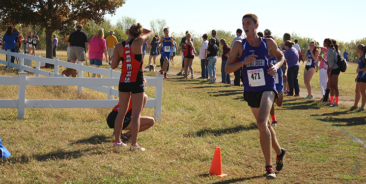 Men's Cross Country earns 10th place at home meet (Slideshow)