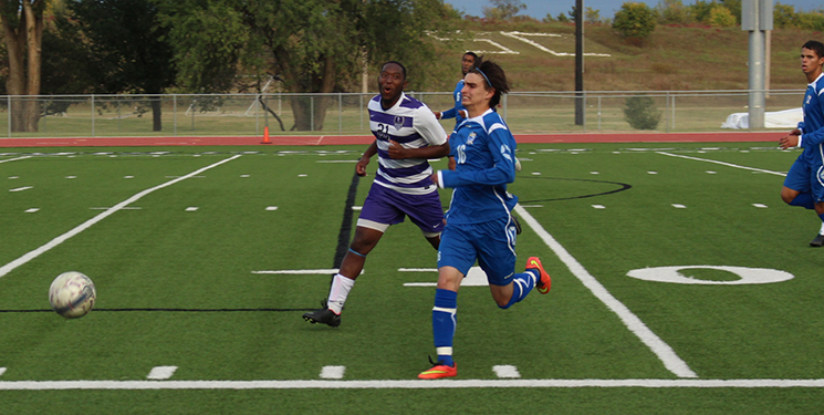 Men's soccer bested 5-1, lose to Tabor Blue Jays