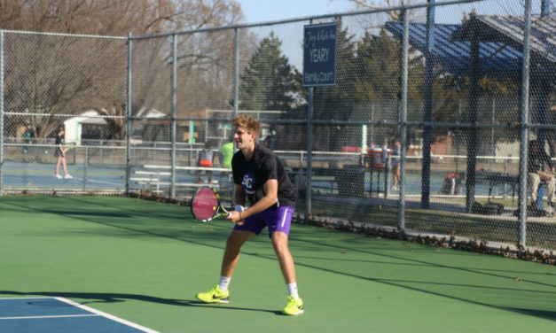 Builder tennis receives mixed results over weekend play