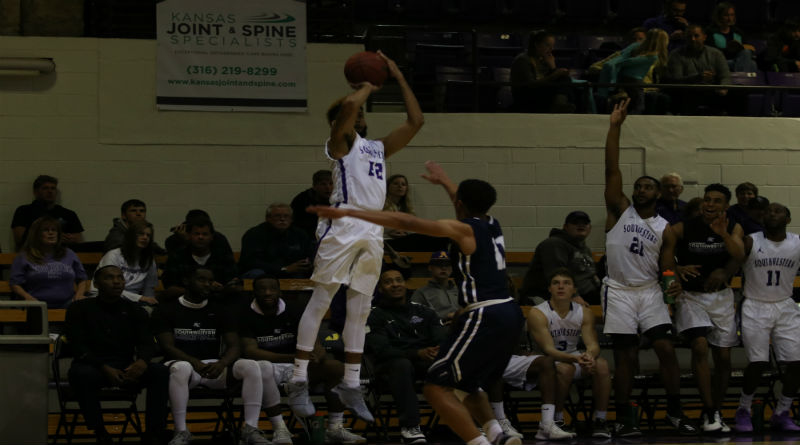 Men's basketball continues undefeated streak