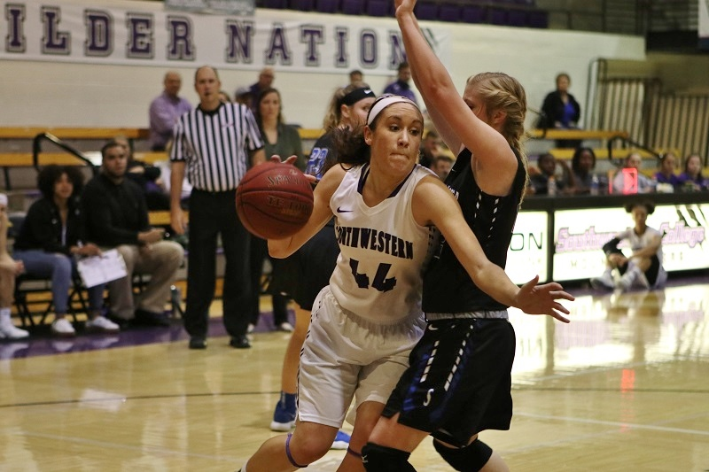 Women's basketball couldn't cage the Eagles