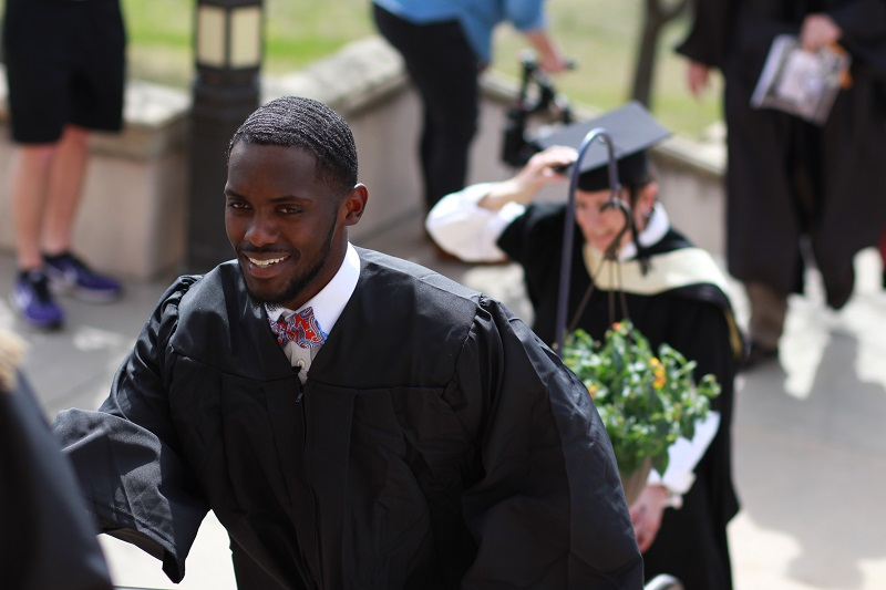 Convocation honors soon-to-be grads