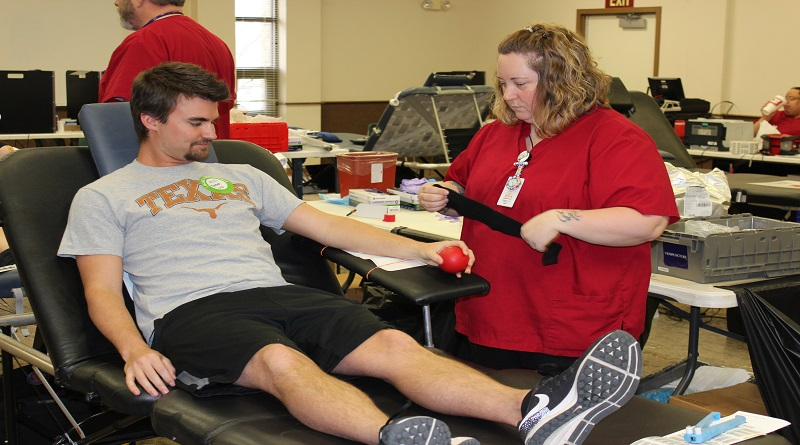 Blood drive draws volunteers to donate