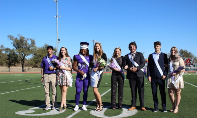 Homecoming halftime recognizes past, current, future students