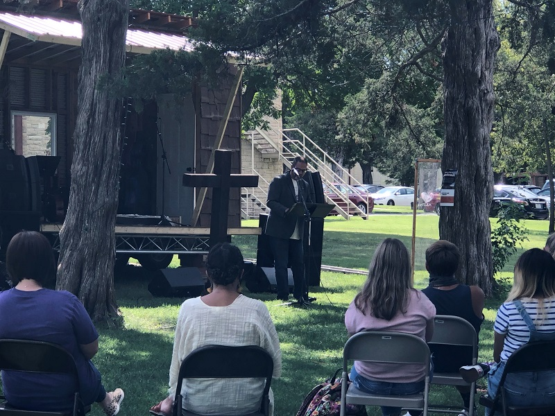 Chapel continues worship outdoors